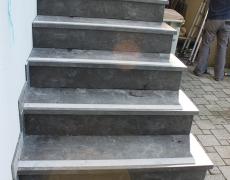escalier-en-pierre-bleue